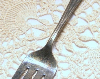 "International Silver Rogers & Bros - ""Lady Fair"" - Meat Fork - 1957 - Pre-Owned"