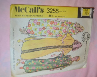 Vintage 70s McCalls 3255 Misses CAFTAN Cover Up Sewing Pattern - UNCUT - One Size