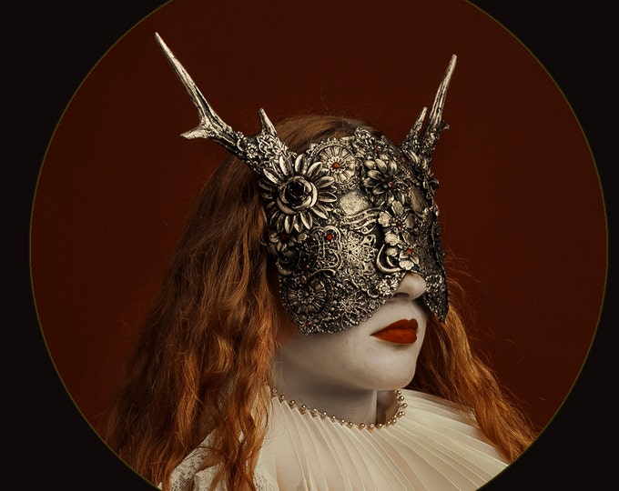 Blind Horned Mask