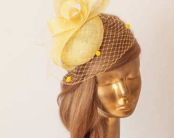 YELLOW FASCINATOR. Sinamay Bridal Fascinator with Veil . Derby Mini Hat