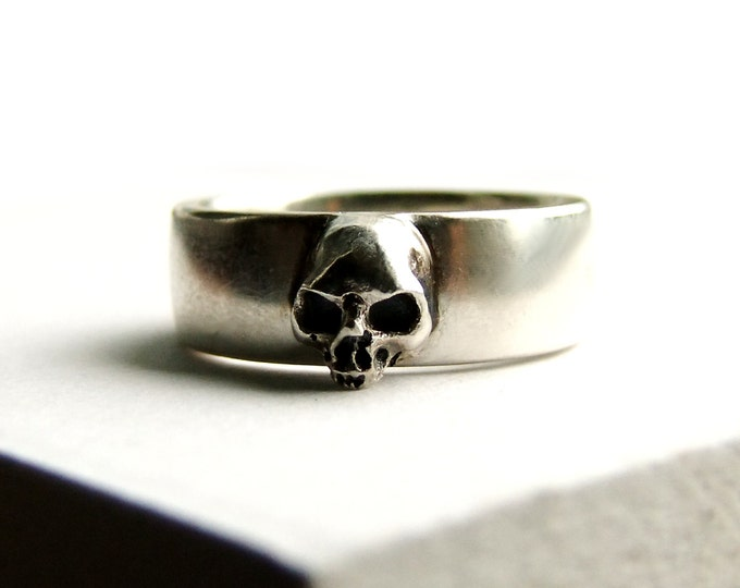 Skull Wedding Ring Grooms Skull Ring Goth Groom Ring Skull Wedding Pair Small Mens Skull Ring Psychobilly Wedding Band Wedding Set All Sizes