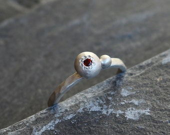 Red Garnet stacking ring, 925 sterling silver ring, Gemstone in a nugget ring, Size 5, January birthstone ring