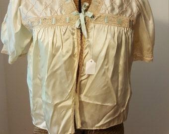 Vintage 1930s 1940s Ivory Satin Bed Jacket