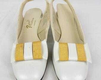1970s vintage Shoes white sling back Heels size 8 narrow dress shoes