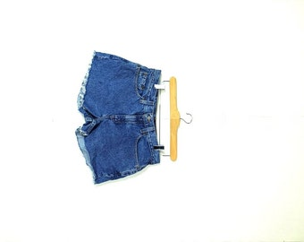 Free shipping!! Vintage LEVI'S 505 Blue  Denim Cut Off Shorts from 80's*