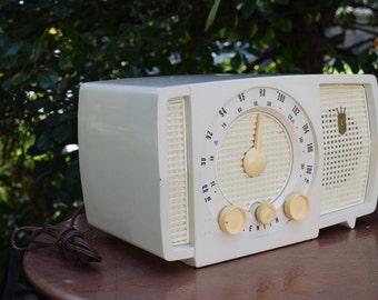 Price Reduced 1950's MOD Bakelite AM/FM radio by Zenith