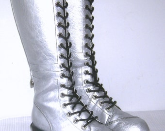 Vintage NA NA Pole Climber Logger Combat Boots Silver Steampunk Gothic Mod Gogo Vegan Knee High Lace up Zip Side Tall NaNa Boots Size 9