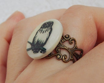 "OOAK Printed owl in mother-of-pearl round filigree adjustable ring ""OwO"" in bronze tone"