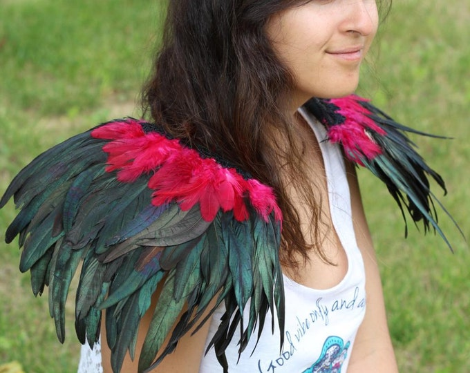 READY FOR HALLOWEEN . Shoulder Wings feathers: red and black