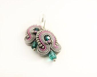 Small soutache earrings, grey soutache, hand embroidered earrings, soutache jewelry, grey beaded earrings, handmade earrings