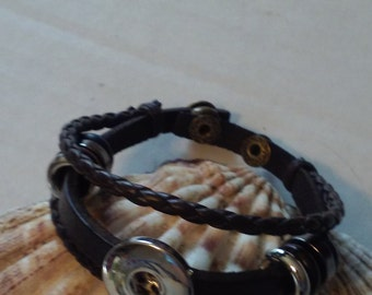 1 Leather Chunk Snap Bracelet
