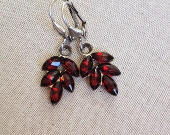Garnet rhinestone leaf earrings, bridesmaid, earring, gift, jewelry, Marsala, red, bordeaux, wine, dark red, rhinestone, drops, leaf, leaves