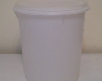 NEW!! RARE!! Vintage Tupperware Sheer Giant 32 Cup Round Canister Container # 255 & # 1203