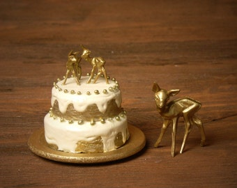 """Charming Miniature Christmas Cake """"Deer"""" for Your Dollhouse"""