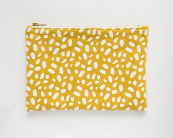 SPECKLES | Screenprint Clutch With Geometric Pattern In Pink
