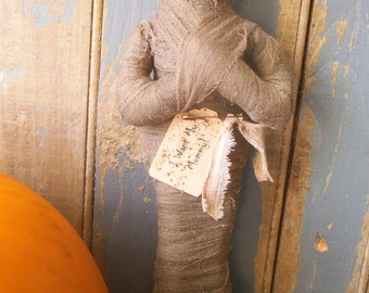 Mummy, Halloween Decor, I Want My Mummy,   Primitive Mummy, Primitive Halloween Decor, Halloween Bowl Filler