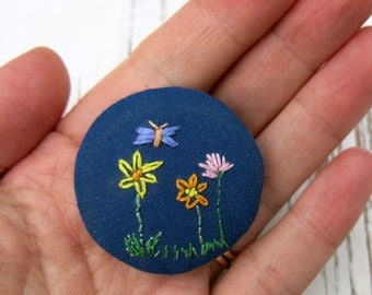 Hand embroidered pin - fabric brooch- button brooch - floral brooch - hand embroidered brooch - clothing accessory- textile brooch-uk seller