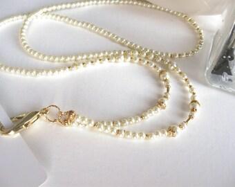 Pearl Badge Lanyard, ID Holder, ID Badge Necklace, Badge Holder, ID Lanyard, Ivory Pearl Lanyard, Beaded Lanyard, Lanyard with Badge Holder