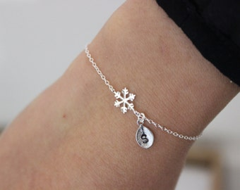 Snowflake bracelet, initial bracelet, snowflake charm, bridesmaid gift, Christmas gift, Delicate bracelet, tiny bracelet