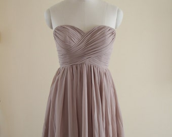 Short Sweetheart Bridesmaid Dress Knee-length Chiffon Strapless Bridesmaid Dress