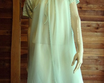 Vintage Lingerie 1950's VANITY FAIR Green Double Chiffon Peignoir or Robe 32