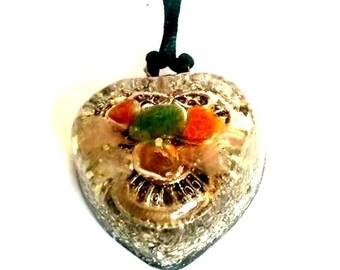 Mágic Orgonite Pendant-Heart-Isis Knot Orange gems green-metal-plated quartz handmade