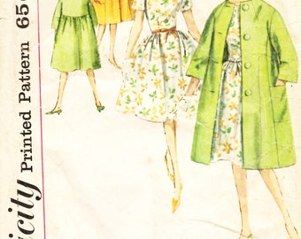 Simplicity 4300 Teens' and Juniors One-Piece Dress and Coat Sewing Pattern