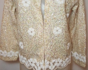 FREE  SHIPPING     Vintage Sequin Bead Cardigan