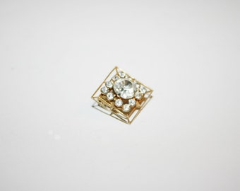 Vintage Gold Tone Rhinestone Brooch / Pin .75 inches |