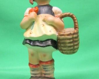 """Hummel Figurine #98 """"Sister""""  Raised Bee"""