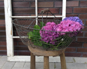 French wire basket, vintage harvest basket with wood handle, rustic farmhouse décor, shabby