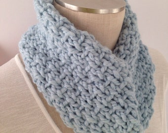 Infinity Scarf - Circle Scarf - Blue Crochet Cowl - Crochet Chunky Cowl - Crochet Chunky Scarf - Light Blue Scarf -