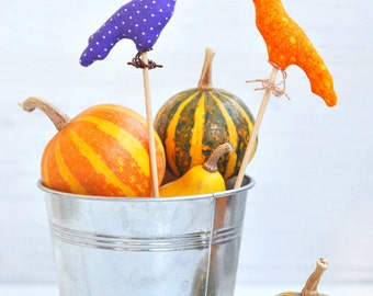 Raven Halloween Decoration. Halloween Cake Topper. Halloween Crow Decorations. Halloween Party Favors. Halloween Gift Ideas. Crow Puppet