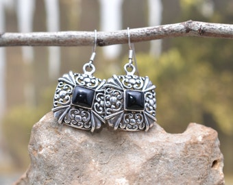 Sterling Silver Square Filigree Onyx Dangle Wire Earrings
