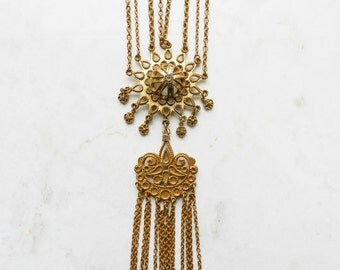 Vintage Goldtoned Chain Necklace with Ornate Pendent