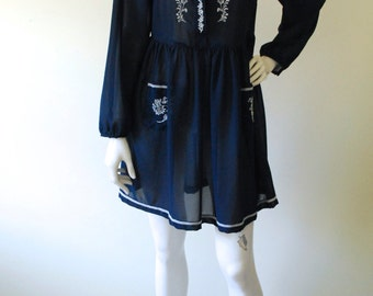 Vintage Embroided Sheer Dress // Size 10