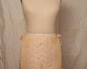 Vintage peach/pink floral girdle garter