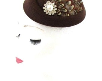 Brown Pheasant Feather Pillbox Hat Fascinator Hair Clip Vintage 1940s White 547