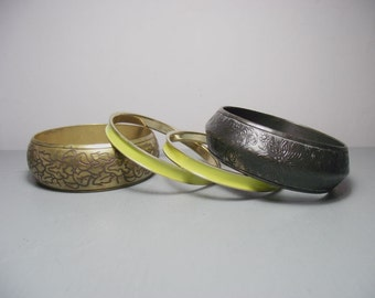 Vintage Set of Brass Bangles/Black and Yellow Bangles/Set of Bangles/Black Bangles/Brass Jewellery/Indian Jewellery/Bohemian/Brass Bracelet