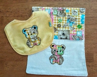 Baby Applique Bear Bib and Burp Cloth