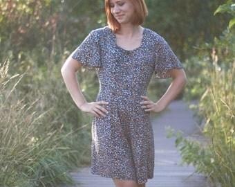 SALE// Vintage Floral Romper, Women's Jumpsuit, Bohemian Jumper, Button Front, Tie Back, Size Small