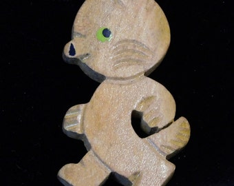Cute wood bear or dog brooch from the 1930's