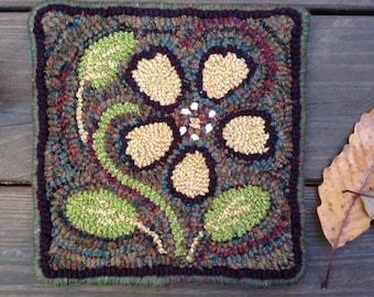 Small Primitve Flower Rug Hooking Kit
