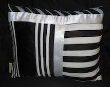 Cushion made with recycled fabric– Duo