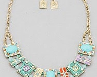 Floral Beaded Accent Necklace Set