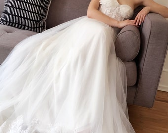 Strapless Bustier Elegant Lace Wedding Dress