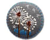 Dandelion inspired handmade felt brooch - Grey