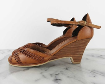 Vintage Chandlers Leather Wedges Ankle Strap Peep Toe Tan Braided Huaraches Leather Stacked Wood Heel 1980s