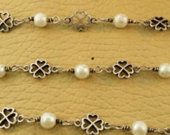 Silver Chain with Silver Clovers and Glass Pearls