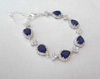 Blue sapphire bracelet - Cubic Zirconia's - Halo - High quality - Something blue - Brides bracelet - Septembers birthstone - Gift - TIA